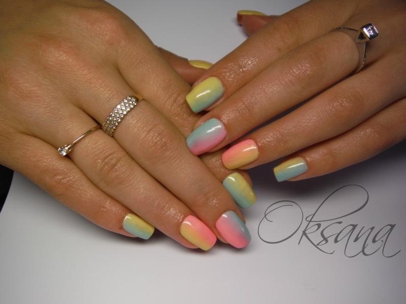 Омбре на ногтях гель-лаком с дизайном